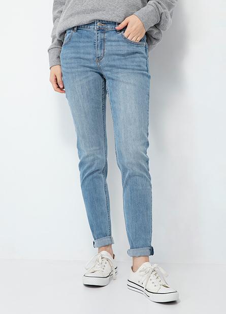 緊身窄管牛仔褲
