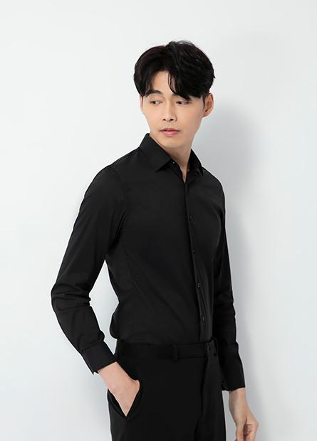 Skinny Fit 合身彈性長袖襯衫
