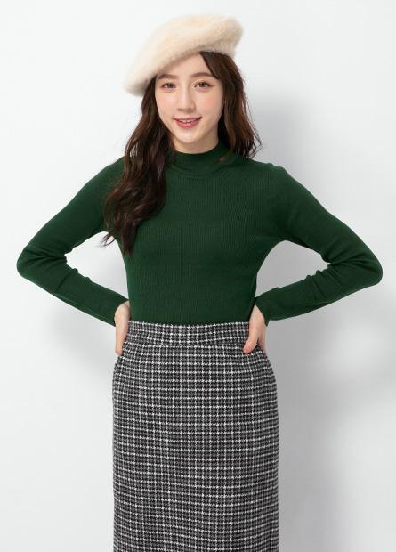 素色半高領坑條毛衣