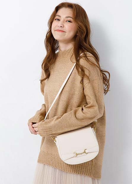半高領落肩寬鬆針織毛衣
