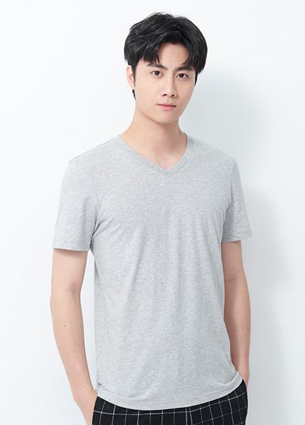 基本素面V領T恤