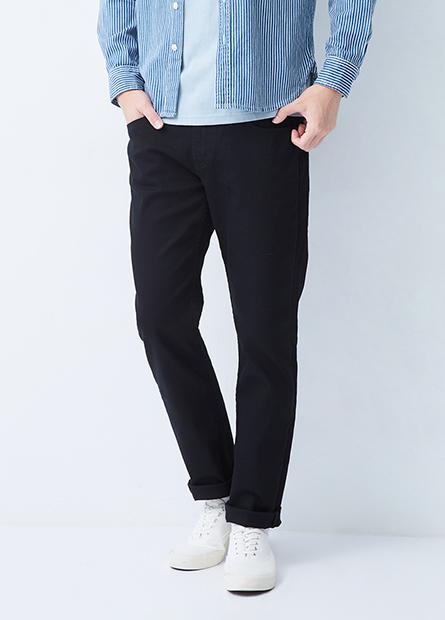Slim Fit 修身直筒牛仔褲