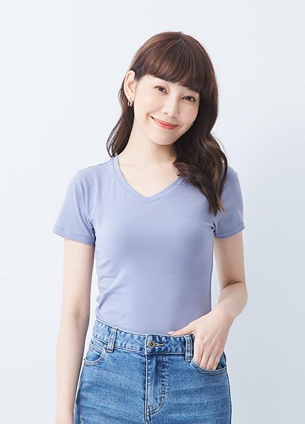素色V領合身T恤
