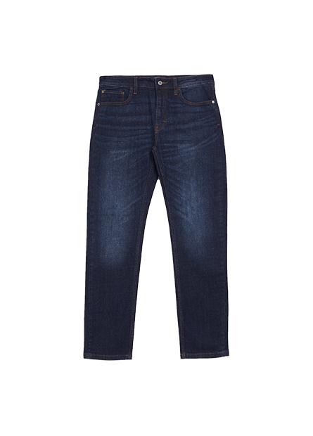 Slim Fit修身直筒型牛仔褲