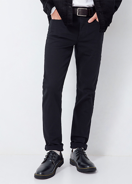 Skinny Fit合身窄管型牛仔褲