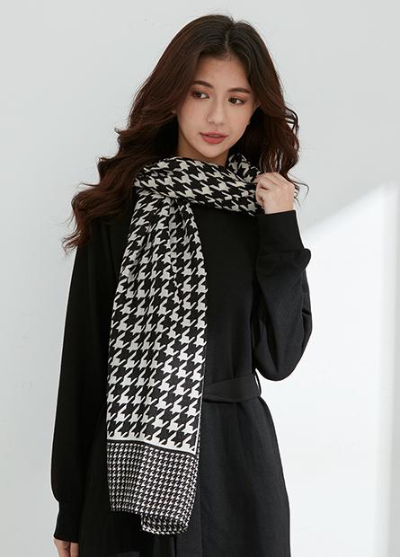 千鳥格紋絲巾