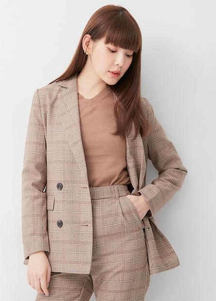 格紋排釦西裝外套